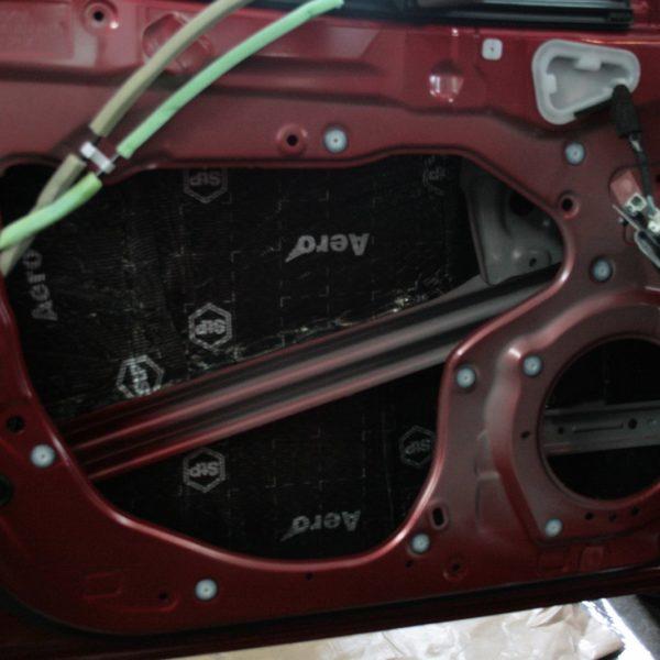 Шумоизоляция дверей Mazda 3 1й слой